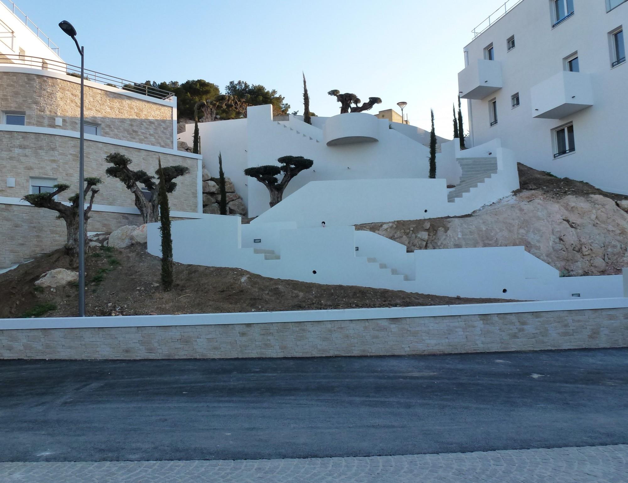Bureau D Étude Béton Marseille escaliers extérieurs en béton en forme de cheminement